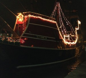 Carolers Afloat & Lighted Boat Parade